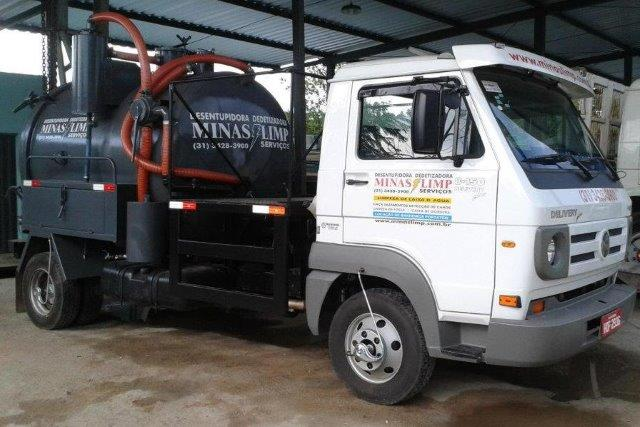 Caminhão Pequeno Limpa Fossa Pará de Minas